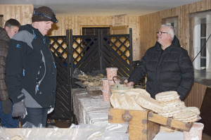 Ole Tvenning solgte mye god fiskemat, reker, kamkaker m.m.