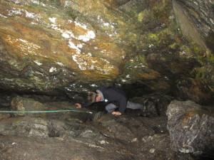 Førstemann på tur ned i grotta. Foto: TB
