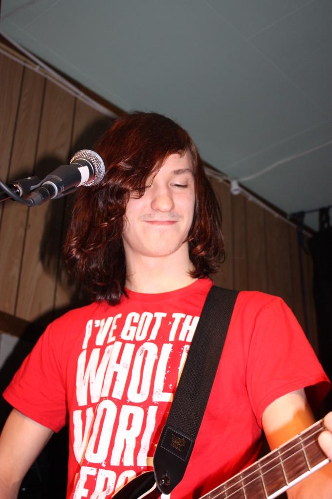 Gitarist og vokalist. Og låtskriver.