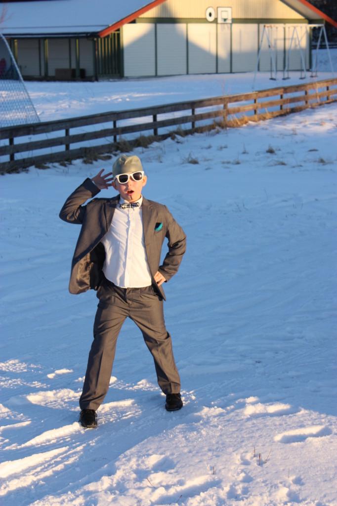Maskeraden ble arrangert i et nydelig vintervær. Her er rapperen Pitbull på tur inn på Urd.