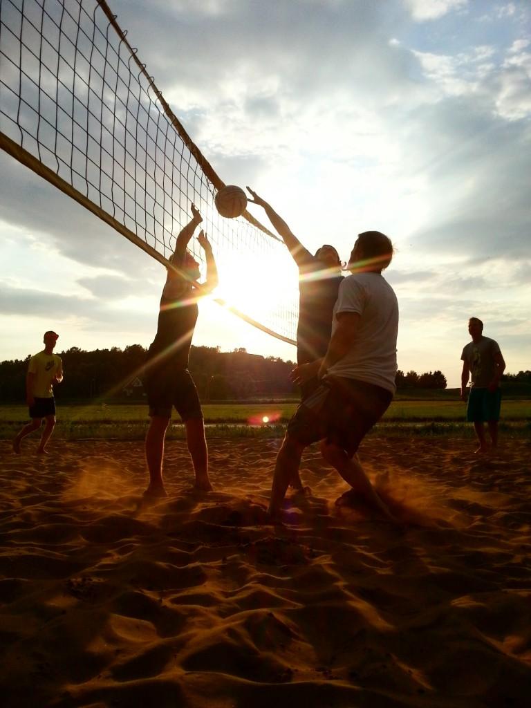 Det var mange sene kvelder på sandvolleyballbanen i sommer.