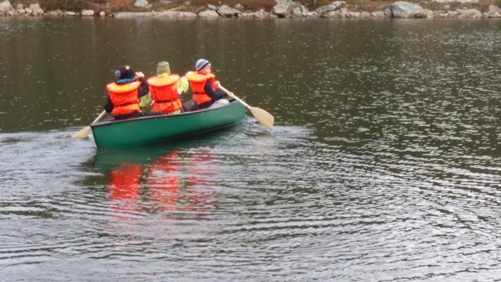 Testing av kano og nye vester.