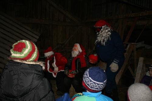 Julegrantenning og nissemarsj 1. lørdag i advent. Foto: http://www.tostrup.net/blog