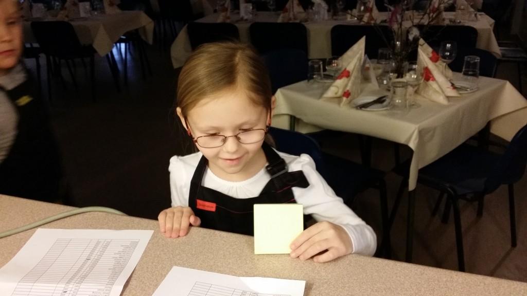 Servitørene ble utrustet med blokk og penn.
