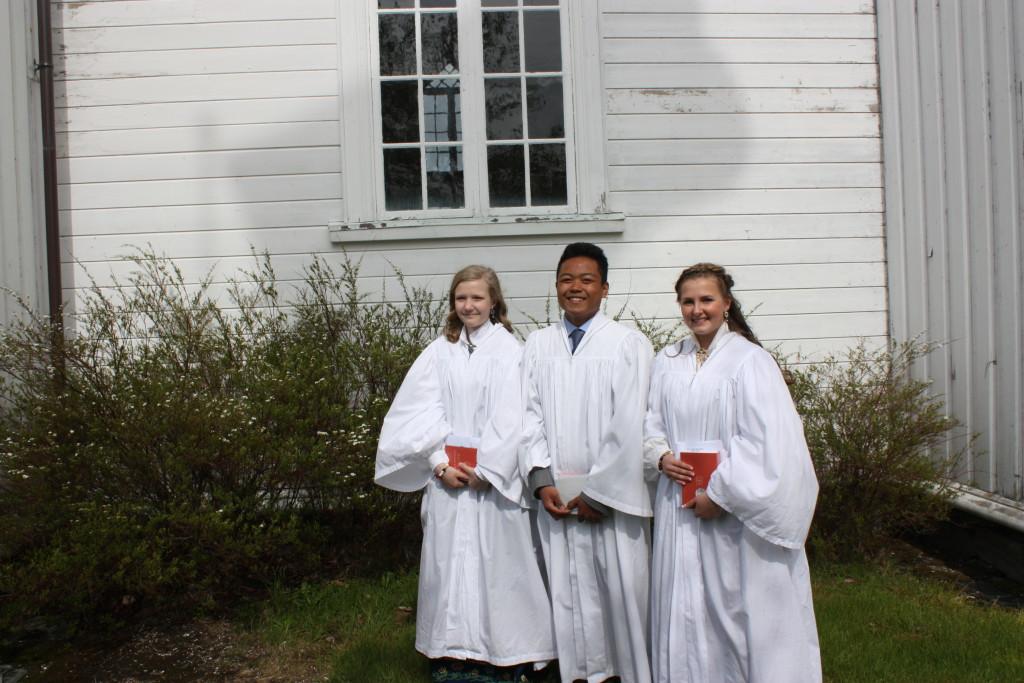 Konfirmanter i Meløy kirke 2015: Marte Sætherskar, Kristian Cabildo og Marte-Sofie Wiik.