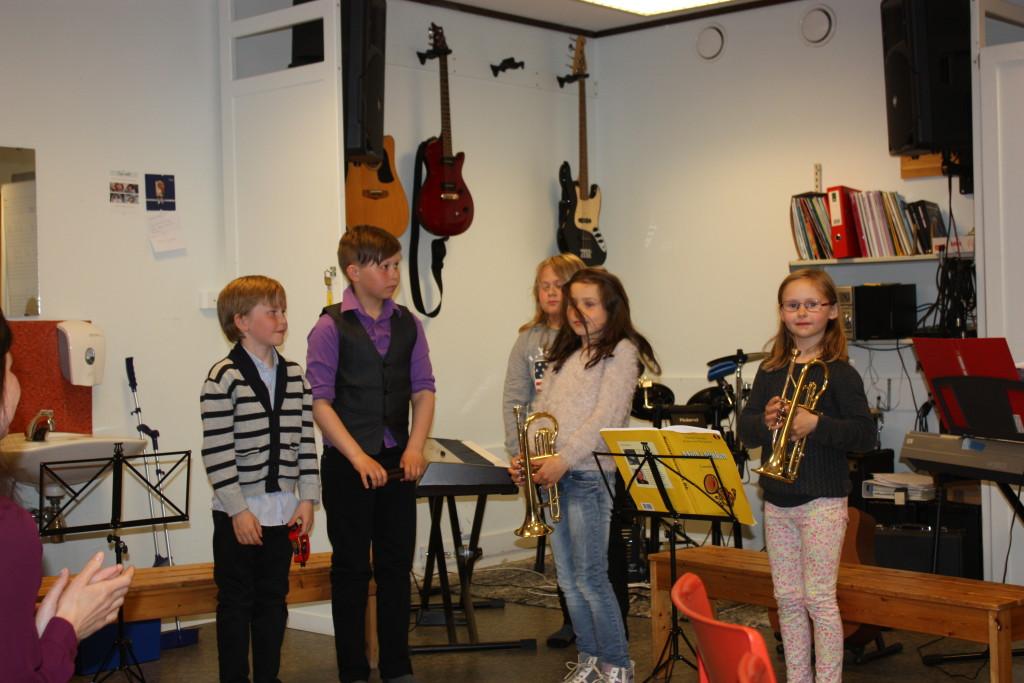 Musikkskolen hadde konsert med foreldre, besteforeldre og søsken til publikum.