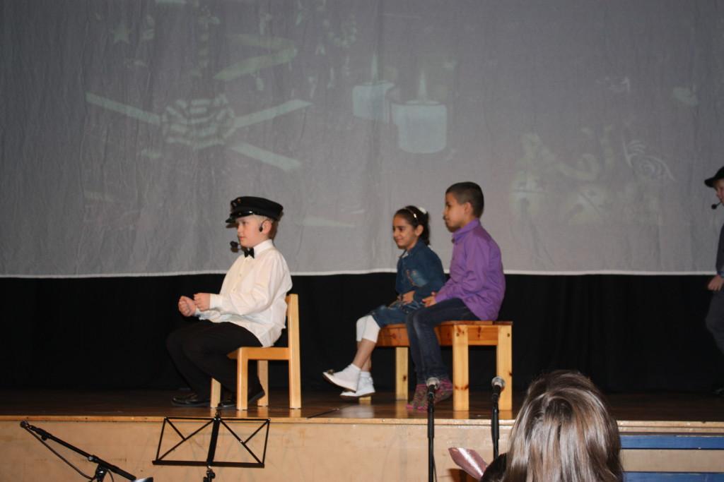 Bilskjetsj med Mathias, Amina og Ahmad.